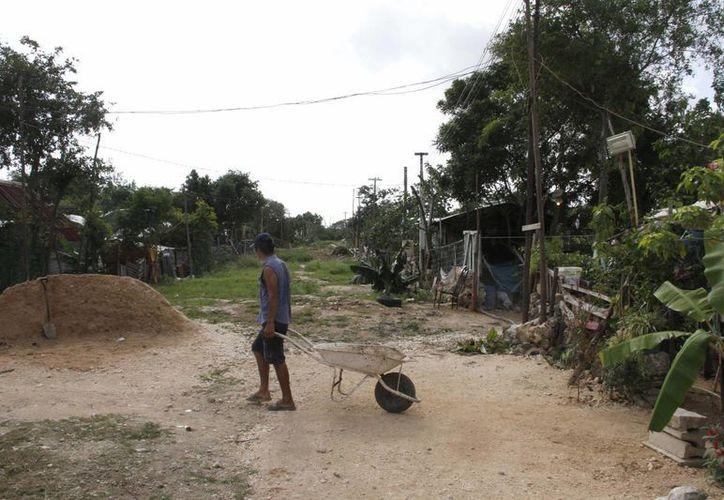 En el municipio de Benito Juárez existen más de 100 asentamientos irregulares. (Tomás Álvarez/SIPSE)