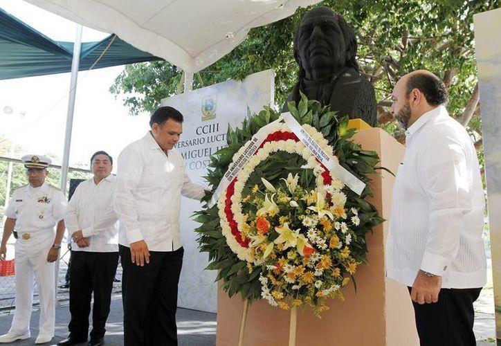 Ayer miércoles, Zapata Bello acudió a la conmemoración del CCIII aniversario luctuoso de Don Miguel Hidalgo y Costilla. (Facebook/Rolando Zapata Bello)