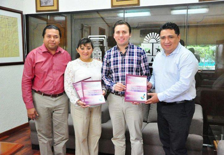 Representantes de la Comisión de Derechos Humanos de Quintana Roo.(Benjamín Pat/SIPSE)