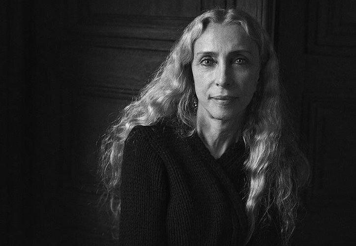 La editora Franca Sozzani siempre cuestionó la percepción de la belleza dentro de la industria de la moda. (Foto de Peter Lindbergh/ Vogue)