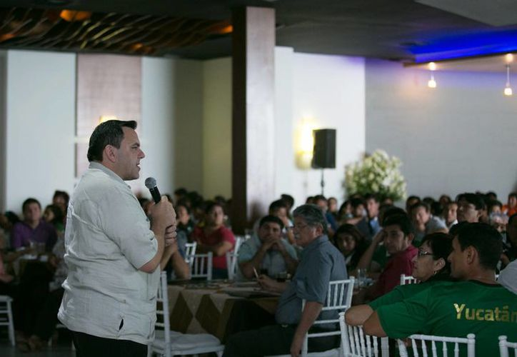 Este lunes, el secretario General de Gobierno, Roberto Rodríguez Asaf, llevó a cabo la presentación de Escudo Yucatán ante cerca de 300 integrantes del deporte local. (Cortesía: Secretaría General de Gobierno)
