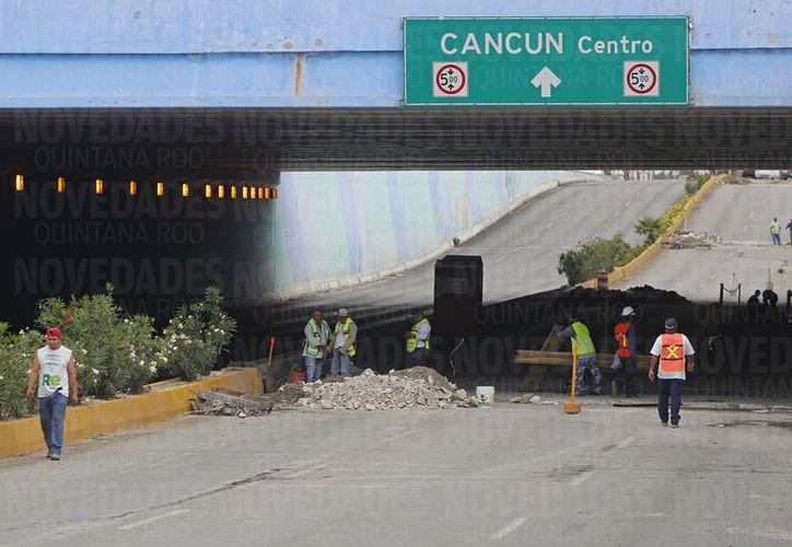 La inversión para la reparación del puente a desnivel es de dos millones 400 mil pesos. (Foto: Jesús Tijerina)
