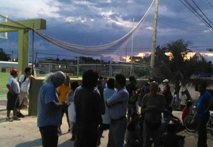 Los pobladores de Akumal señalan que hubo abuso de la fuerza pública el domingo cuando ellos se manifestaron. (Sara Cauich/SIPSE)