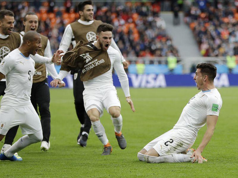 Si Uruguay gana hoy, llegará a seis puntos, calificará a octavos de final y al mismo tiempo eliminará tanto a Egipto como Arabia (Foto archivo: AP)