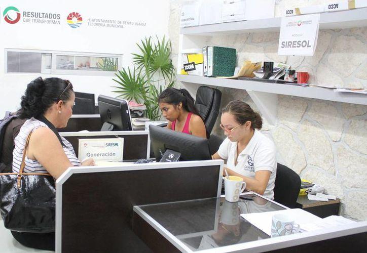 Transparentarán los gastos de viajes de trabajo de funcionarios. (Sergio Orozco/SIPSE)