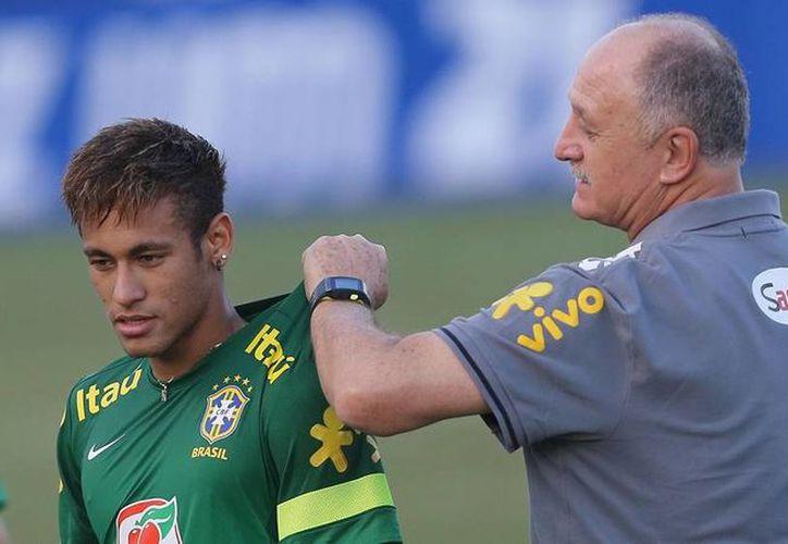 Neymar (izq.) es la carta fuera de Scolari (der.) en Mundial de Brasil 2014. (ligafutbol.net)