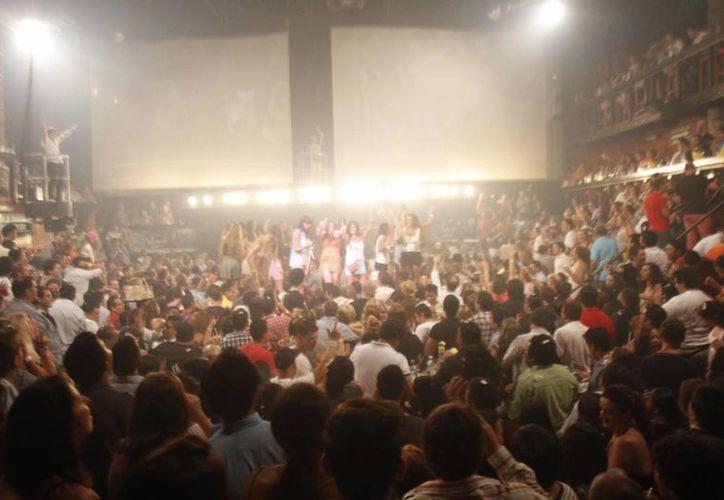 Discotecas esperan un repunte con la llegada del turismo venezolano. (Israel Leal/SIPSE)