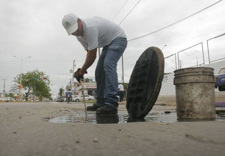 La instalación de la red de drenaje sólo cubre el primer cuadro de la ciudad. (Carlos Horta/SIPSE)