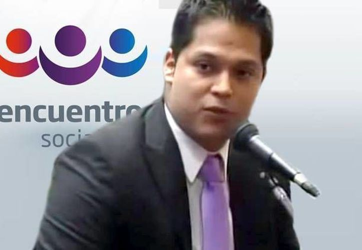 Arturo Arriaga Macías declaró que la homosexualidad, el embarazo de mujeres solteras y el aborto son equiparables a problemas como el narcotráfico. (facebook.com/encuentrosocialarturo)