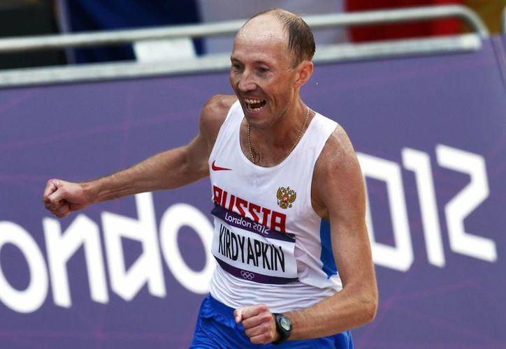 Sergei Kirdyapkin recibió una inhabilitación de tres años y dos meses, pero podrá competir en los Juegos Olímpicos de 2016. (Archivo/AP)