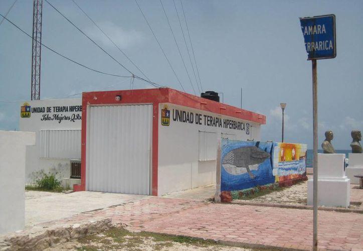 Las instalaciones de la Cámara Hiperbárica no cuentan con personal. (Lanrry Parra/SIPSE)