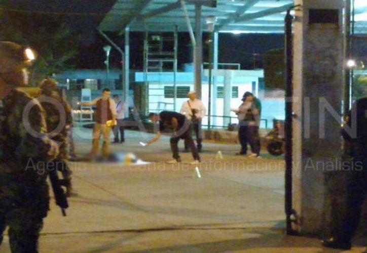 Durante el intercambio de disparos murieron un elemento de la Semar y dos presuntos agresores. (Uriel Sánchez/Quadratín Guerrero)