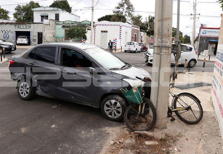 El accidente se registró en la calle 10 por 65 de la colonia Cortés Sarmiento, en Mérida. (SIPSE)