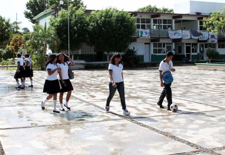 México tiene la tasa de embarazos adolescente más elevado con 77 nacimientos por cada mil adolescentes. (Joel Zamora/SIPSE)