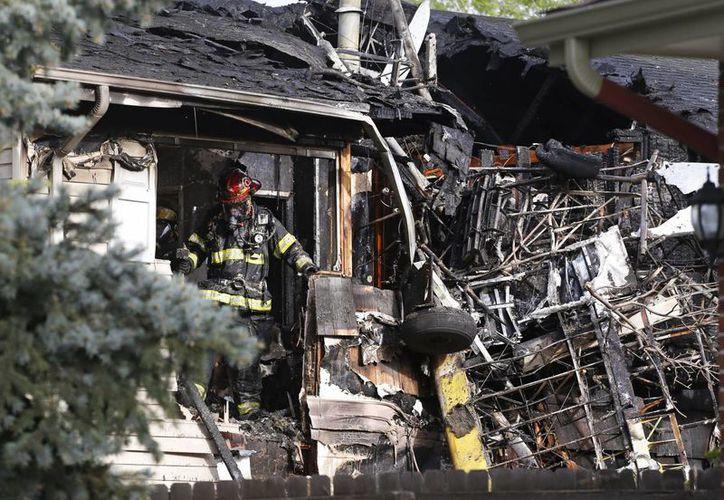 El accidente pudo originarse por la baja altura a la que volaba la aeronave. (AP)