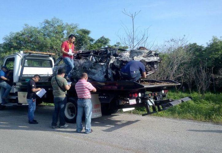 La vialidad fue cerrada parcialmente tras el accidente. (Eric Galindo/SIPSE)