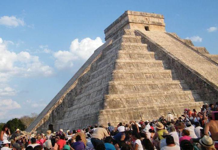 El fenómeno arqueoastronómico de Chichén Itzá se observa a partir del 20 de abril. (SIPSE)