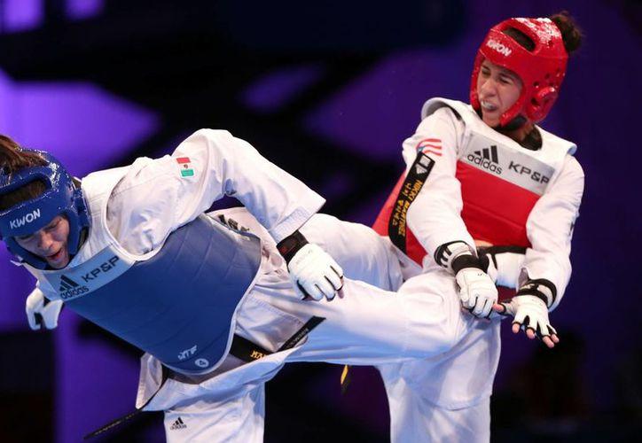 María del Rosario Espinoza (i) refrendó la medalla de oro en Juegos Centroamericanos hace pocos días (foto), pero hoy no pudo vencer a una holandesa en el Grand Prix de Querétaro. (Notimex)