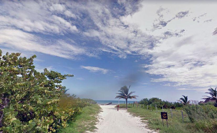 """Imagen de una calle de El Cuyo, puerto de donde salieron 3 pescadores a bordo de """"Lucely I"""", y no han regresado. (Google Street View)"""