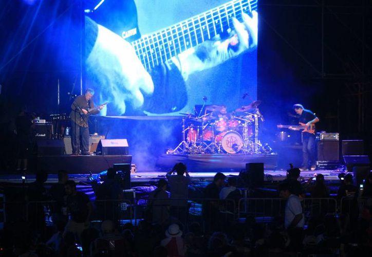 La noche del jueves inició la treceava edición del Riviera Maya Jazz Festival en Playa Mamitas. (Adrián Barreto/SIPSE)