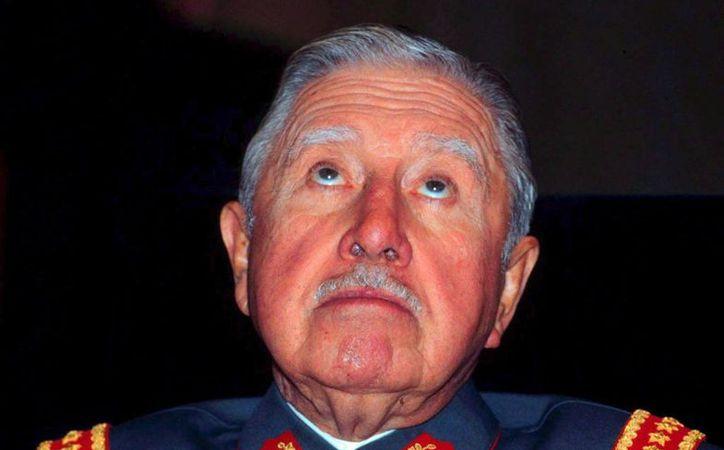 El Congreso chileno prohibió también realizar cualquier homenaje a la memoria del dictador Augusto Pinochet. (EFE/Archivo)