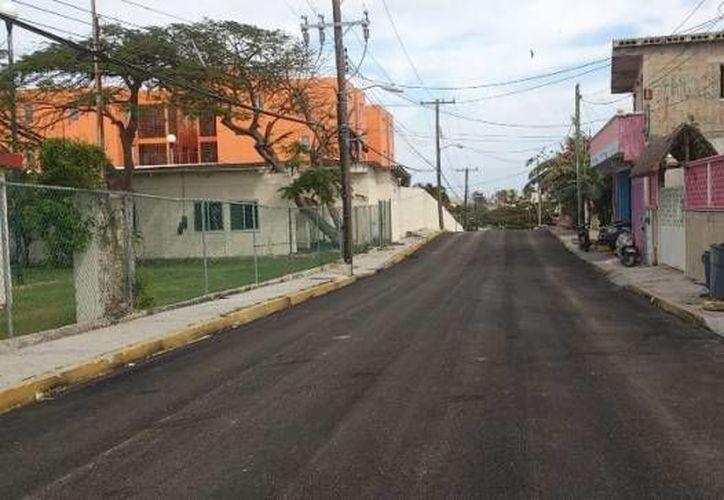 Se encuentran concluyendo los últimos detalles de las avenidas Paseo de los Peces y Sac-Bajo, para acabar con los trabajos de repavimentación. (Redacción/SIPSE)