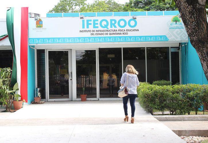 La empresa encargada ya recibió por parte del Ifeqroo el aviso para finiquitar el contrato si no justifica el incumplimiento. (Joel Zamora/SIPSE)