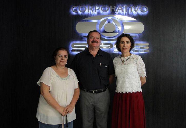 Conductores e invitada de la emisión de Salvemos una Vida, en la que se trató del tema del juego en la infancia. (Amílcar Rodríguez)