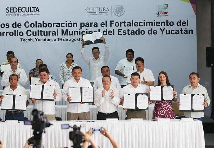 Los 2.5 mdp del Gobierno estatal para proyectos culturales se distribuirán en Celestún, Chacsinkín, Chichimilá, Cuzamá, Kanasín, Kopomá, Peto, Sucilá, Tecoh, Tixkokob, Telchac Puerto, Umán, Valladolid, Yobaín y Yaxkukul. (Foto cortesía del Gobierno de Yucatán)
