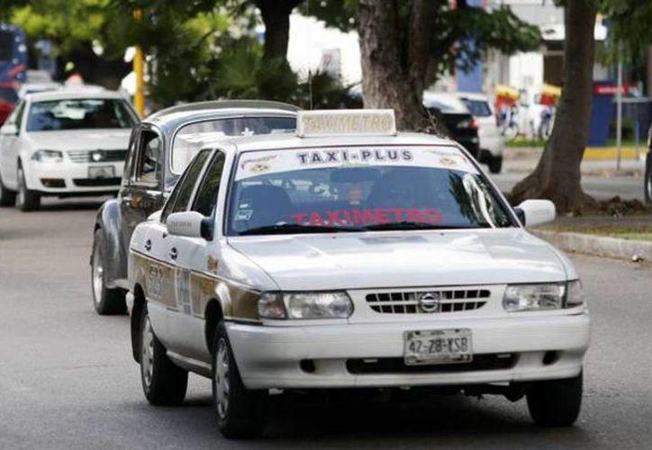 Viajar y cantar sus canciones preferidas ahora es posible con Easy Taxi, servicio que ya está disponible en Monterrey, Nuevo León. (Sipse/archivo)