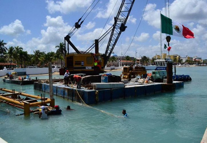 La construcción del atracadero anexo al muelle San Miguel de Cozumel tiene un avance de 30%. (Cortesía)