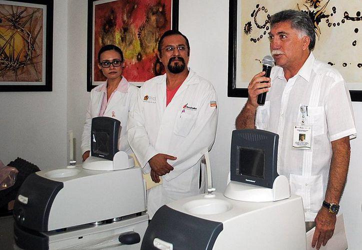 Los equipos serán destinados para las Uneme Dedicam de Cancún y Chetumal. (Cortesía/SIPSE)