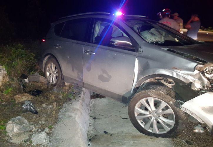 El presunto responsable así como su acompañante quedaron con ligeras lesiones y a disposición de las autoridades. (Foto: Redacción)