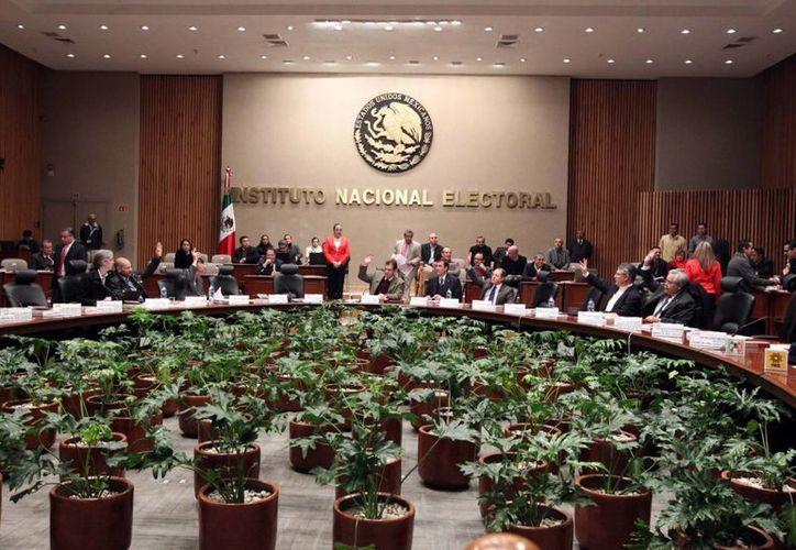 El INE trabaja en el desarrollo de una aplicación informática que le posibilite cumplir oportunamente con sus atribuciones en materia de fiscalización, para lo cual cuenta con apoyo de expertos en desarrollo de herramientas informáticas de la UNAM. (Notimex)