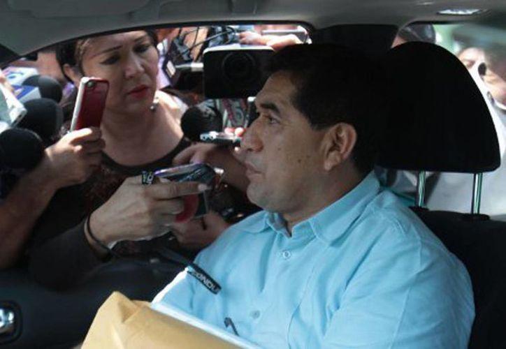 De la Cruz tuvo una gestión de seis meses y en el proceso transición con la administración de Arturo Núñez. (Milenio)