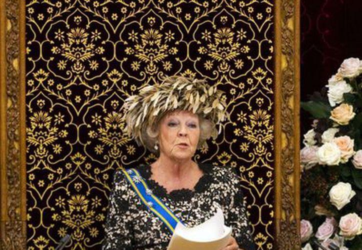 Sin embargo, aún es ilegal ofender a la monarca holandesa, Beatrix I. (Archivo/Agencias)