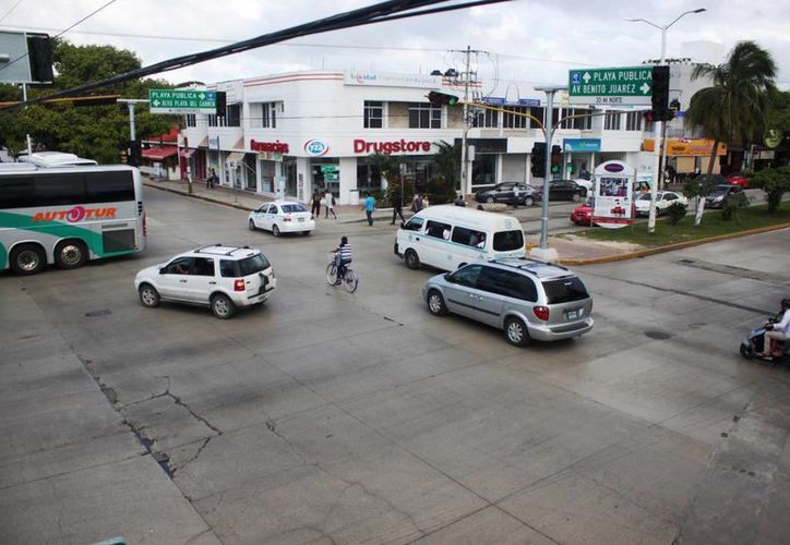 Diariamente se registran entre tres o cuatro accidentes viales en las avenidas Constituyentes y Arco Vial. (Daniel Pacheco/SIPSE)