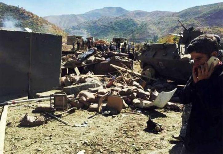 En el ataque suicida de la guerrilla kurda PKK murieron diez militares, ocho civiles y un guerrillero. (Foto: EFE)