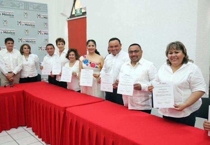 Los candidatos para diputados locales se reportan preparados para las elecciones de junio próximo. (Milenio Novedades)