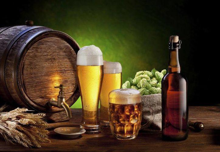 El Museo Nacional de Historia de Estados Unidos busca a especialistas en cerveza para que prueben estas bebidas. (imagen de contexto/enforma.salud180.com)
