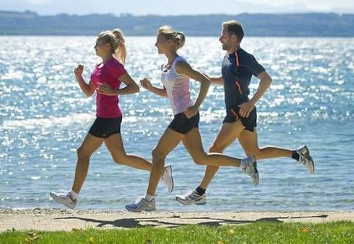 Lo ideal para una carrera de cinco kilómetros es tener una preparación previa para evitar las lesiones. (www.krreraverde)