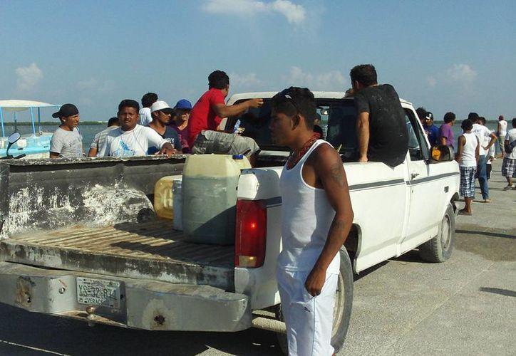 Se vivieron momentos de tensión en el refugio pesquero La Caleta, en Progreso. (Manuel Pool/SIPSE)