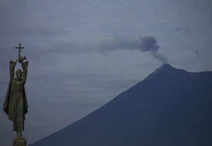 El volcán Pacaya se sitúa a unos 47 kilómetros de la capital guatemalteca. (EFE)