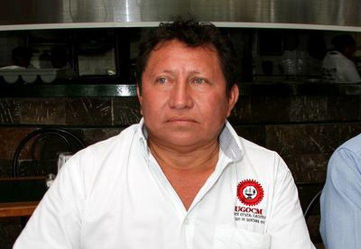 José Antonio Canul Chan dijo que buscan apoyar a la gente a través de estos programas. (Carlos Calzado/SIPSE)