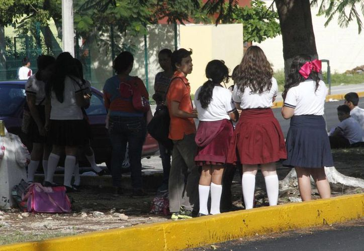 Consideran que la etapa de la pubertad afecta el desempeño escolar en los jóvenes estudiantes de secundaria. (Tomás Álvarez/SIPSE)