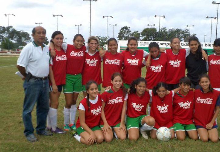 Yucatán se coronó en cuatro categorías femeniles de futbol: juvenil menor, juvenil élite, infantil mayor y juvenil mayor. (Milenio Novedades)