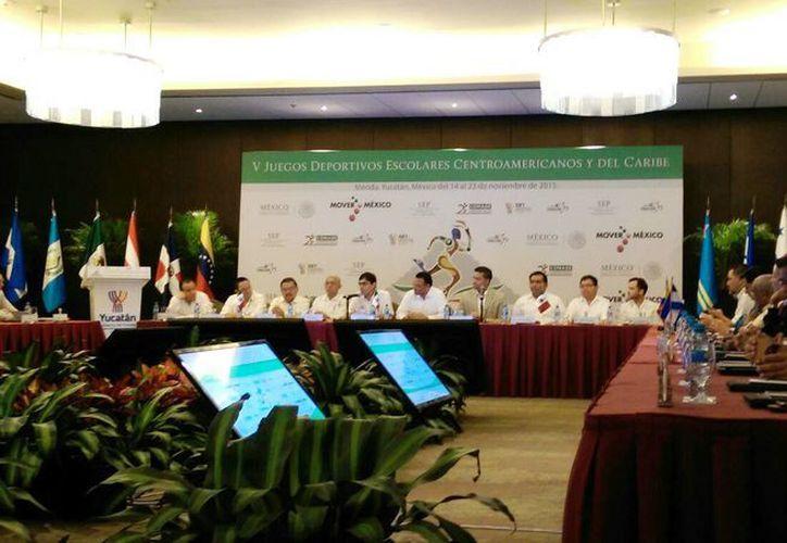 Imagen de la rueda de prensa para la presentación de los  V Juegos Deportivos Escolares Centroamericanos y del Caribe 2015 que se realizará en este Estado. (Marco Moreno/SIPSE)