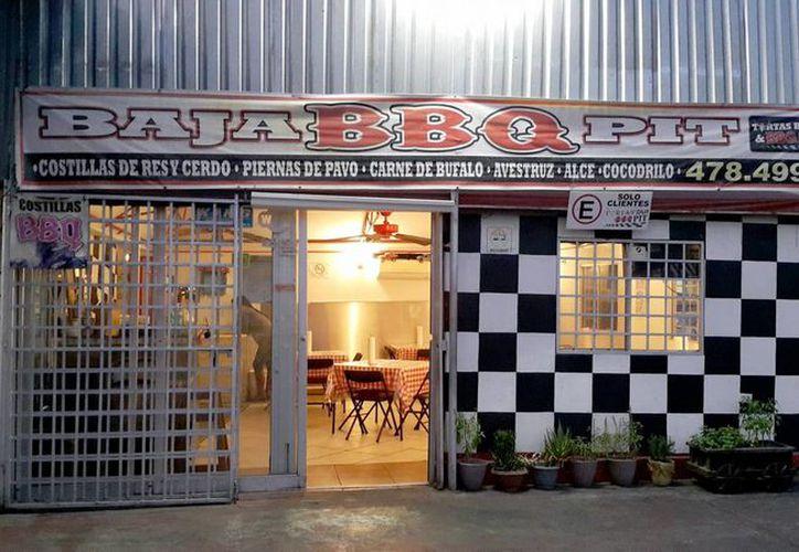 El establecimiento Baja BBQ Pit asegura que todas las carnes que comercializan cuentan con el visto bueno de las autoridades. (Notimex)
