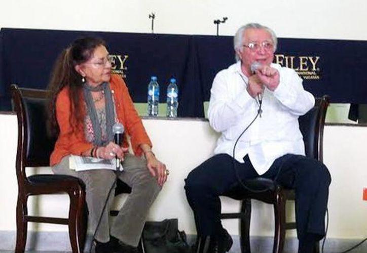 La doctora Sara Poot Herrera, i es una gran mpulsora de la FILEY. (Milenio)