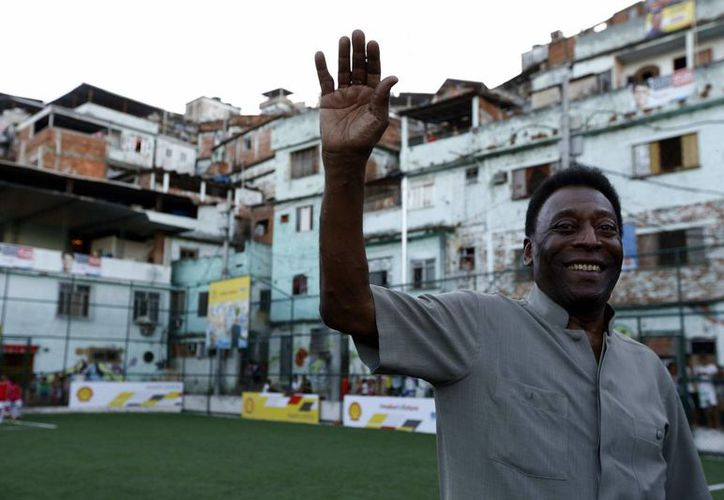 Pelé se sintió indispuesto poco antes de presentar un libro sobre el Museo Pelé, por lo que fue hospitalizado el miércoles pasado. (EFE/Archivo)
